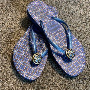 Havaianas slim blue flip flops